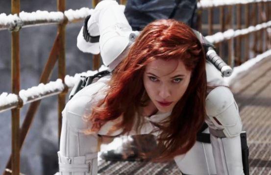 Звезда «Черной вдовы» подала в суд на Disney