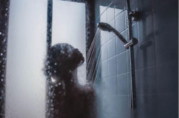 Ученый раскрыл опасность ежедневного душа