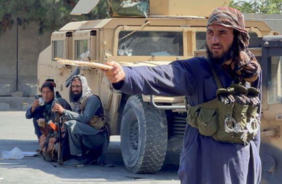 Талибы потребовали от жителей Кабула сдать оружие